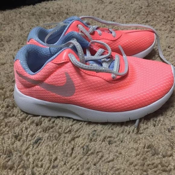 Kids size 11 Nike shoes girls a08a4d1bf1a9
